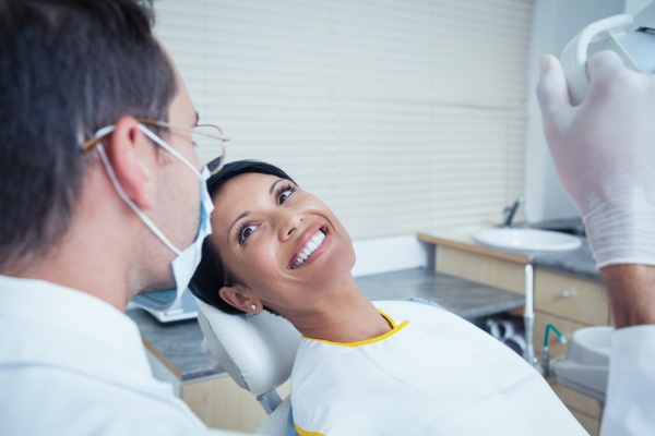 Reasons To Get Your Teeth Whitened At The Dentist