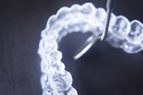 A General Dentist Offers Tips On How To Get Used To Invisalign