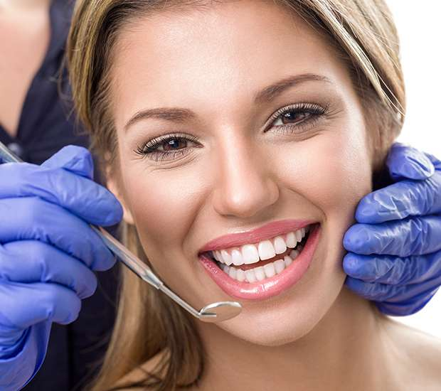 New York Teeth Whitening at Dentist